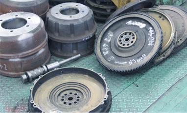社内に金属加工工場自を併設しているので、緊急な要望も素早く対応します。